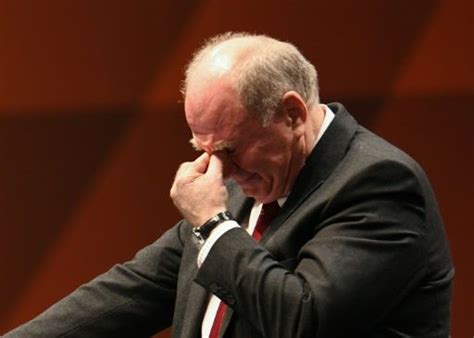 Hoeness steps down at Bayern, Flick to stay on for rest of