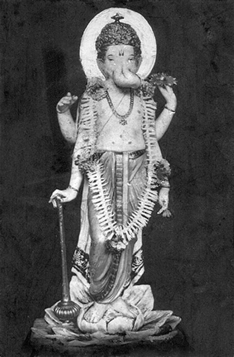 View the magnificent Lalbaugcha Raja in pictures from 1934